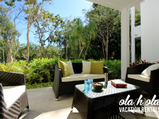 Bright & Spacious 1-Bedroom Condo in Golf Resort Complex
