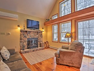 Albrightsville Cabin w/Hot Tub - 10 Min to Slopes!