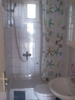 A1 donji (6): bathroom with toilet