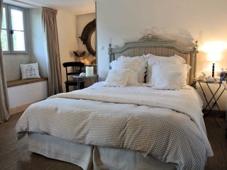 EARLYGREZ  chambre d'hôtes  à 70km sud Paris près de Fontainebleau
