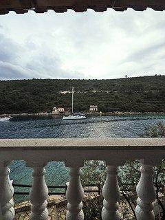 H(8): terrace