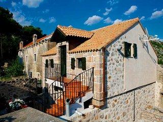 Kamena H(4+2) - Starigrad-Paklenica