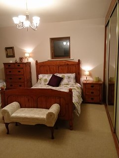Barrow room with en-suite. Tea and coffee making facilities. Free Wi-Fi  & Smart Tv