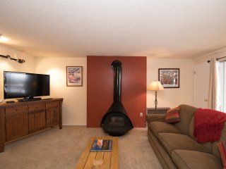 Lovely 2 Bed/2 Bath condo, just steps from Park City Ski Resort