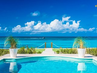 Villa Milestone Beach Front Located in Beautiful Grace Bay with Private Po