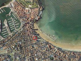 1ª línea de playa de San Lorenzo -zona Náutico- Centro, perfecta para la familia