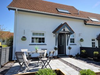 46630 House in Aberporth