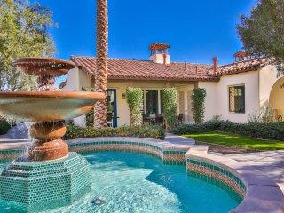 3Bd/3Ba Single Story Villa Fountain View, Close to Pool - H90
