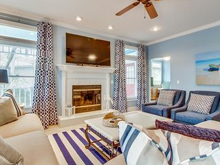 Sparkling home w/ porch, firepit & shared pool/tennis - walk to white sand beach