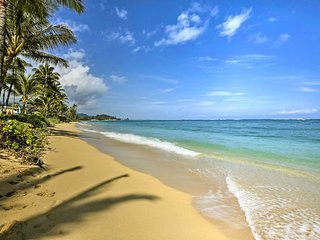 NEW! 1BR Hauula Condo 20 Steps from Private Beach!