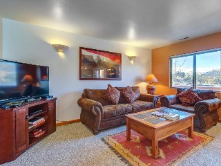 Dog-friendly condo w/ shared seasonal pool - walk to Steel Bender Trail
