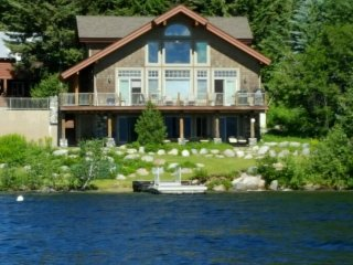 Lovely lakefront getaway w/ private dock & propane stove - dogs welcome!