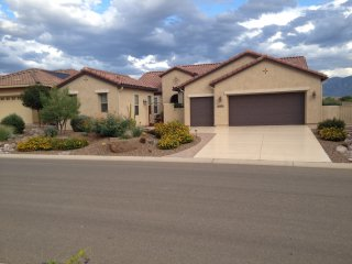 Saddlbrooke Ranch- Superb Home with Views- On the Course- Golf Cart!