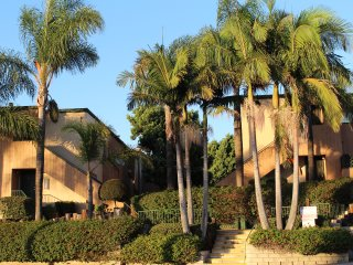 3 Bedroom 2 Bath Fully Furnished condo with Mountain view in San Diego