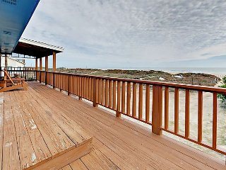 On the Beach 'The Wave Runner House' 4BR, Decks with Direct Gulf Views