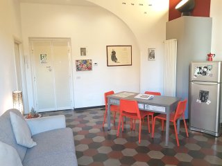 Moka Top Apt. - 1bedroom, 1 bathroom, living room w/kitchen. Lovely balcony