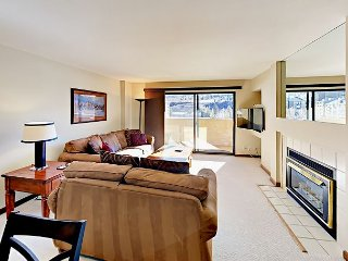 1BR View Condo - Across from Gondola & Avon Recreation Center