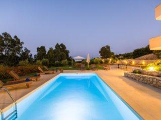 Loutraki villa