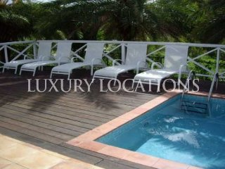 3 bed villa with private pool just 20 min stroll to Jolly Beach