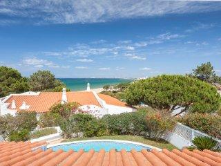 5 Bedroom sea view villa in Vale do Lobo, short walk to beach and Praca