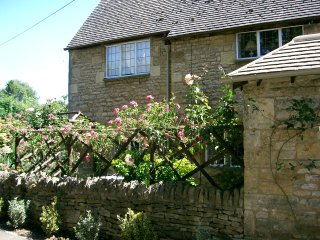 Delightful Cottage in quiet location near the heart of Chipping Campden