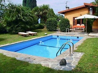 Mirabella villa with pool and garden