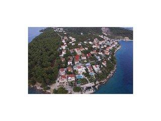 4 bedroom Villa in Okrug Donji, Splitsko-Dalmatinska Županija, Croatia : ref 557