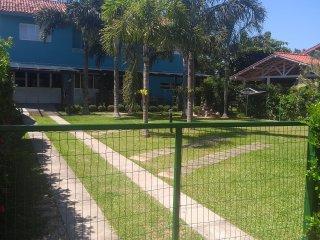 Maravilhosa Casa em condomíniado a 200mts do mar