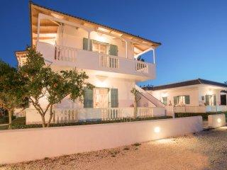Tasos Villas- Apartment No.3 - Sea View top floor