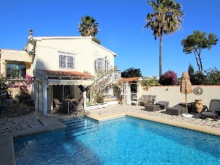 MJ000251 - NEW ON THE WEBSITE WITH SPECIAL OFFERS - WONDERFUL 3 BED FAMILY VILLA