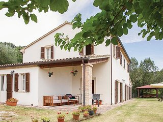 5 bedroom Villa in Nucleo Serre, The Marches, Italy : ref 5574298