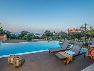 Villa AA / Luxurious stay with great sea view