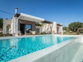 Villa Double AA / Luxury, gym, pool table, ideal for a big group