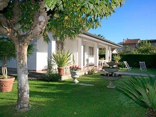 3 bedroom Villa in Forte dei Marmi, Tuscany, Italy : ref 5026047