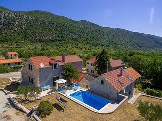 4 bedroom Villa in Župa, Splitsko-Dalmatinska Županija, Croatia : ref 5506585