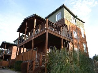 OCEAN PEARL ~ MCA 1675~Gorgeous 3 story condo with ocean views and pets ok.