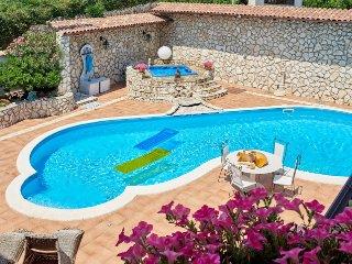 Villa Esmeralda con piscina a Castellammare del Golfo