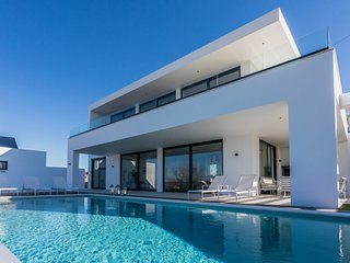 ERICEIRAHILLS- LUXURY VILLA IN BEAUTIFUL ERICEIRA