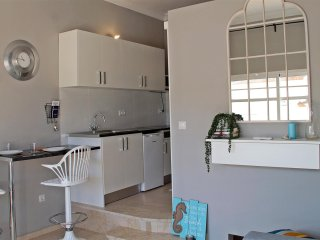 One Bedroom Newly Refurbished Apartment located in Benavista