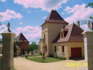 Location d'une maison en pierre proche des sites touristiques dans village class
