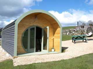 Glamping pods at Hoe Grange