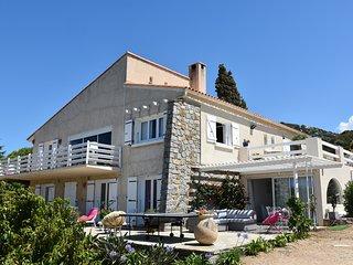 Villa belle vue Mer avec piscine a debordement