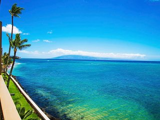 West Maui Lahaina Direct Ocean Front Top Floor Condo. Super Private Near Napili!