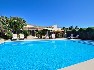 Villa with private pool easy walk to Pollensa (El Reposo)