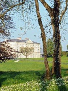 Farnham_Estate