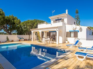 Casa Prensa, 3 Bed Villa With Private Pool Near Beaches, Carvoeiro