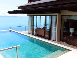 'Moon Terrace' Stunning Luxury Oceanfront Pool Villa.