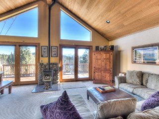 Truckee Home w/ High Quality Finishes + Game Room
