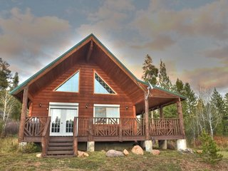 HOTEL CREEK CABIN