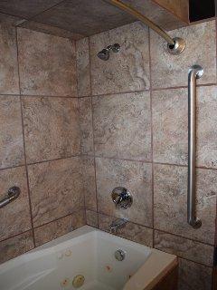 Main floor bath tub
